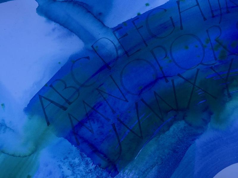 Experimentelle Kalligraphie - Abtauchen in die Farbtiefen des Meeres